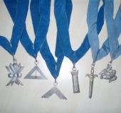 Jewels with collars lodge Sibi et posteris
